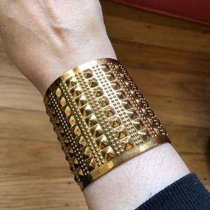 Jewelry - Golden bracelet